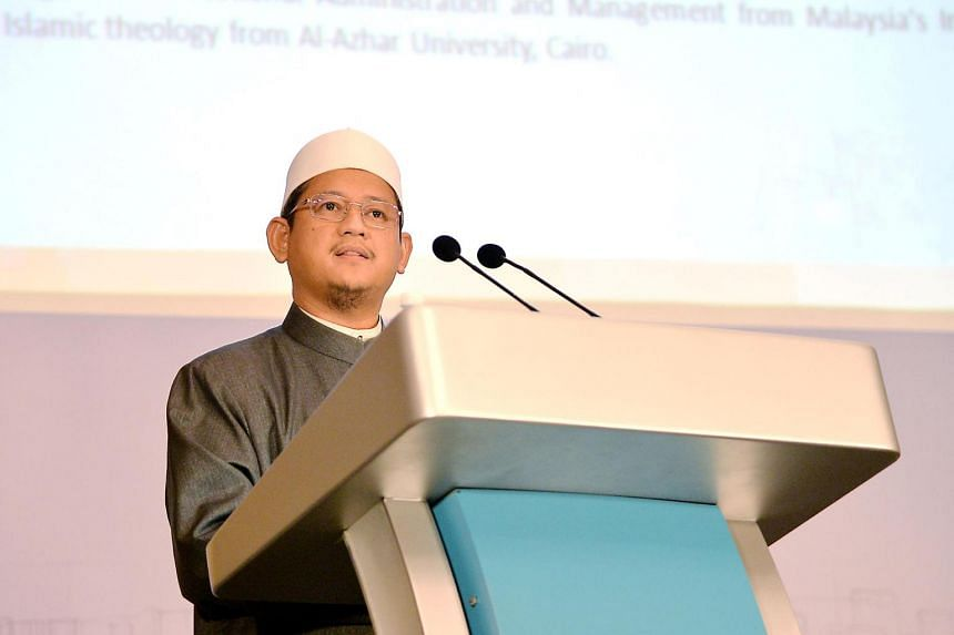 Mufti Dr Mohamed Fatris Bakaram speaking at the Fatwa Conference.
