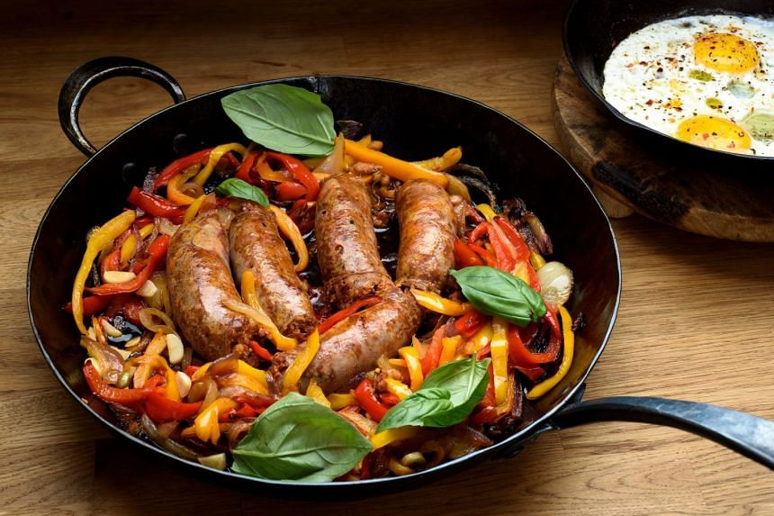 Italian pork sausages, cooked with onions and bell peppers, are big on flavour and ready in half an hour.