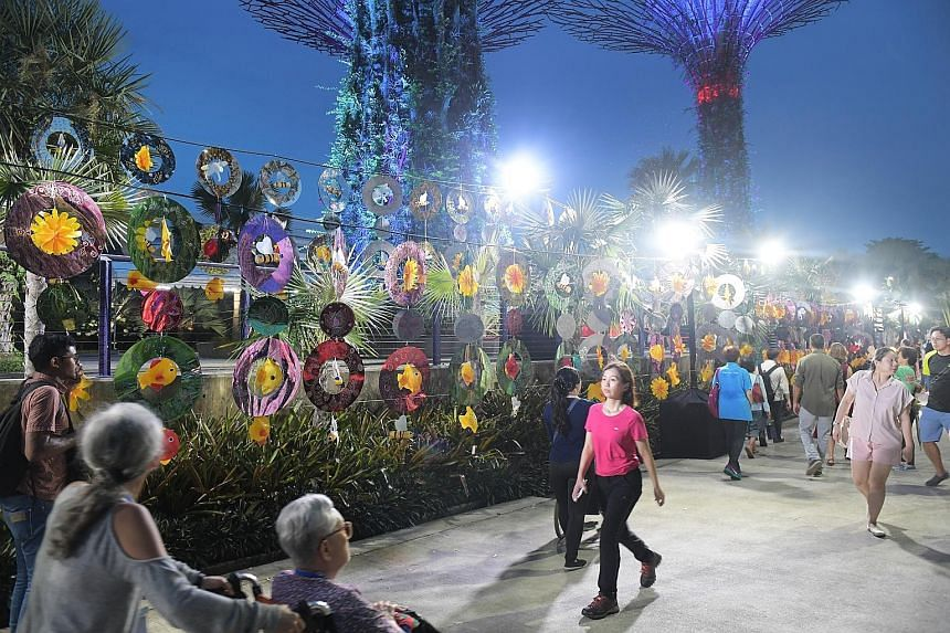 A bicultural installation, inspired by the ongoing Mid-Autumn Festival and the upcoming Deepavali, was officially completed at Gardens by the Bay yesterday. Minister for Education (Higher Education and Skills) and Second Minister for Defence Ong Ye K