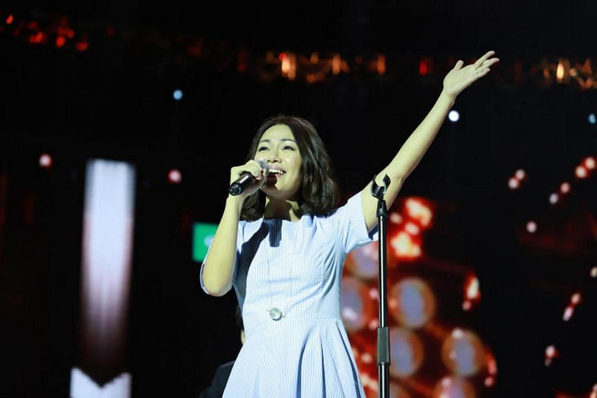 Singaporean singer Joanna Dong has made it to the grand final of the popular Chinese singing contest, Sing! China.