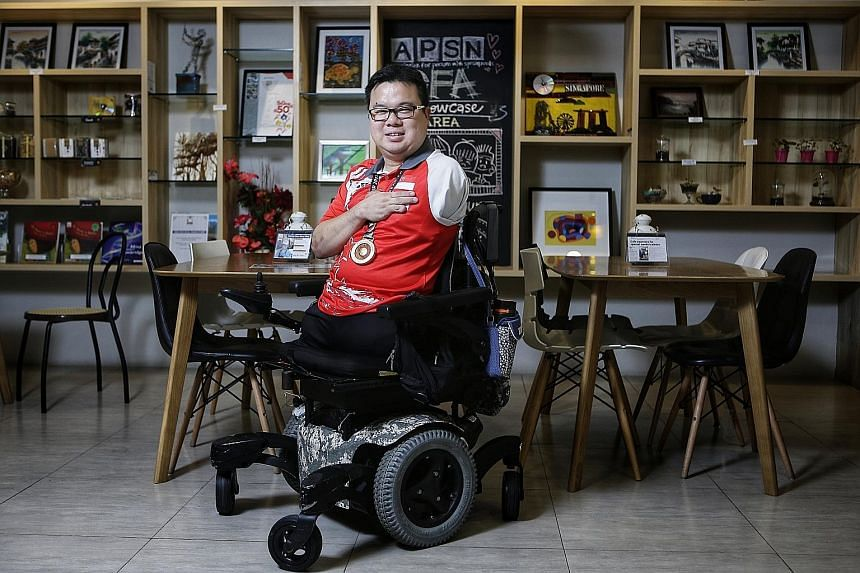 Last month, navy serviceman Jason Chee clinched his first individual gold in the men's singles Class 2 event at the Asean Para Games in Kuala Lumpur. This came about four months after he was diagnosed with eye cancer and had to have an operation to
