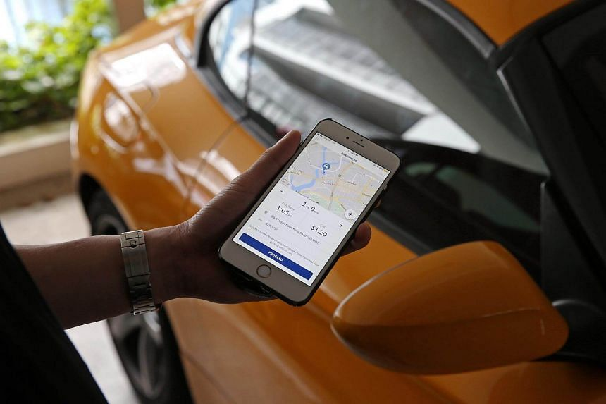 The new Parking.sg app, which is developed by government agency GovTech, can be used at some 1,100 carparks started today (Oct 1).