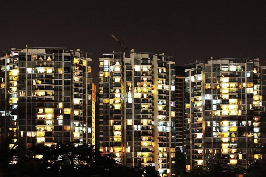 Electricity tariffs will decrease by an average of 2.1 per cent from today to Dec 31 compared with the previous quarter, said SP Group.