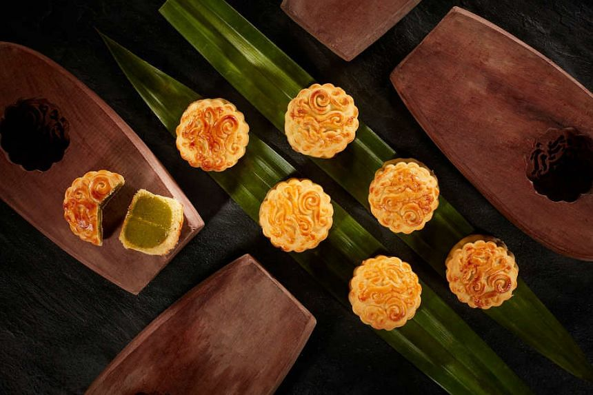 The Shanghai Confectionery Industry Association says consumers will be able to find as many as 200 types of mooncakes on the market this year.