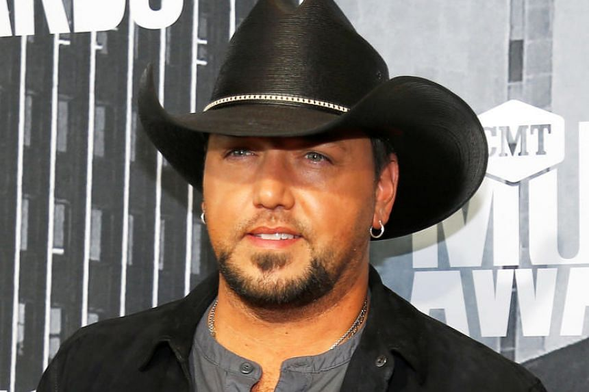 Country music singer Jason Aldean poses at the 2017 CMT Music Awards in Nashville, Tennessee, on June 7, 2017.