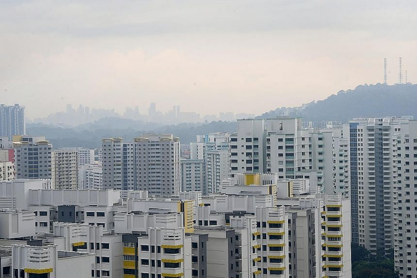 A view of Bukit Panjang taken at 3.48pm on Tuesday. Though hazy conditions were reported in parts of Singapore, PSI levels were in the moderate range.