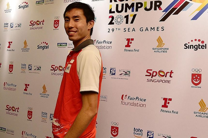 SEA Games marathon champion Soh Rui Yong wants to share part of his MAP awards with 400m runner Reyhan Amierul.