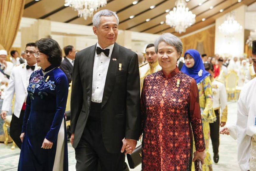 PM Lee Hsien Loong and Mrs Lee arrive for the royal banquet as part of the Golden Jubilee celebrations at Sultan's palace in Bandar Seri Begawan, on Oct 6, 2017.