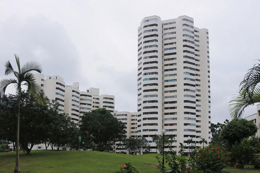 The collective sale committee at former HUDC estate Ivory Heights is working to garner 80 per cent of home owners' approval to put the 654-apartment estate up for sale at $1.34 billion.
