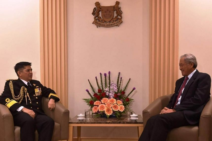 FADM Dato Norazmi (left) calling on Dr Ng (right) at MINDEF.