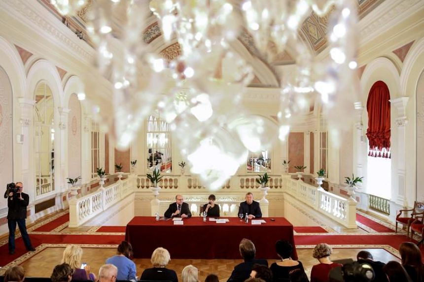 Director general of the Bolshoi Theatre Vladimir Urin (right) and general manager of the Metropolitan Opera Peter Gelb give a press conference on the joint projects.