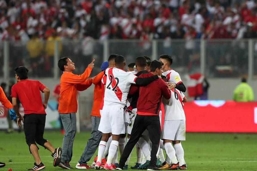 Peru failed to secure the win that would have ensured automatic qualification, but have the consolation of a two-legged play-off against Oceania champions New Zealand.