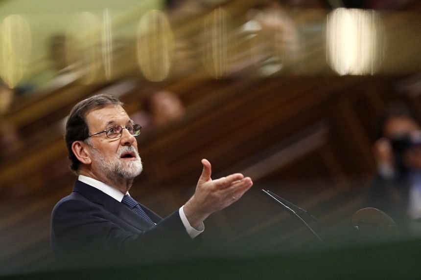 Spanish PM Mariano Rajoy delivers a speech during Question Time int the Lower House in Madrid,  Oct 11, 2017.
