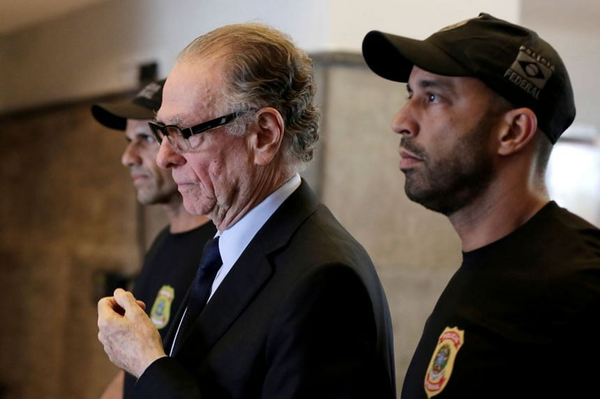 Nuzman leaves the Federal Police headquarters heading to jail, in Rio de Janeiro, Oct 5, 2017.