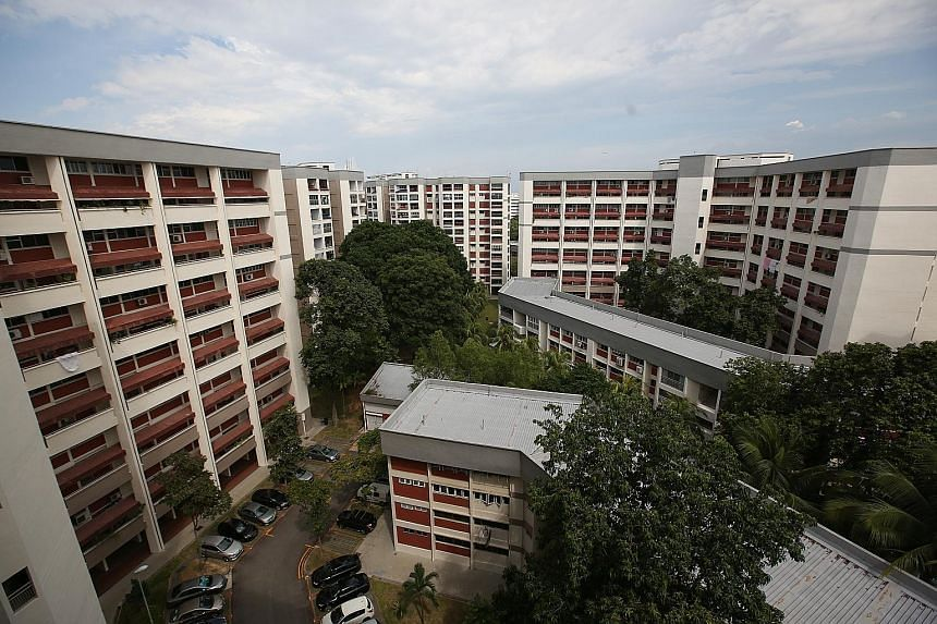 Before Tampines Court was sold en bloc in August, it failed in collective-sale attempts in 2008 and 2011. The failures could have led to pessimism among some owners, says an analyst.