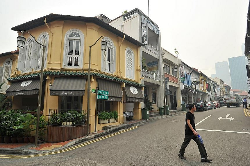The street signs of Happy Avenue estate have become a minor attraction, with tourists from nearby hotels visiting and taking photos. The 180 units in the neighbourhood stand on freehold land and are mostly occupied by elderly residents, some of whom