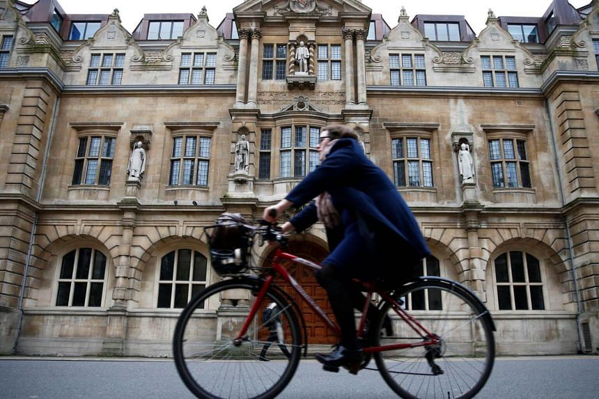 """Oxford's """"Zero Emission Zone"""" will ban emitting vehicles from entering part of the city centre from that 2020."""