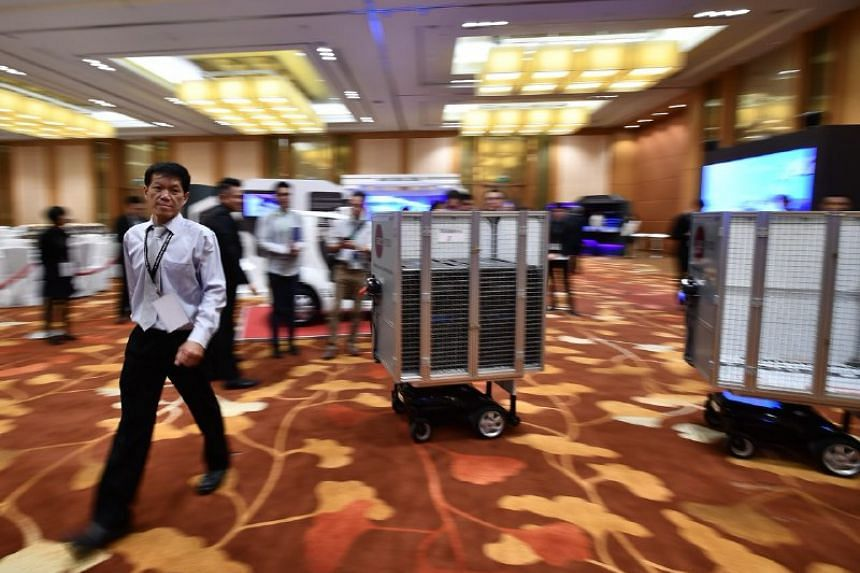 Dolly, an autonomous guided vehicle, can be used to transport meals from kitchens to airport lounges.