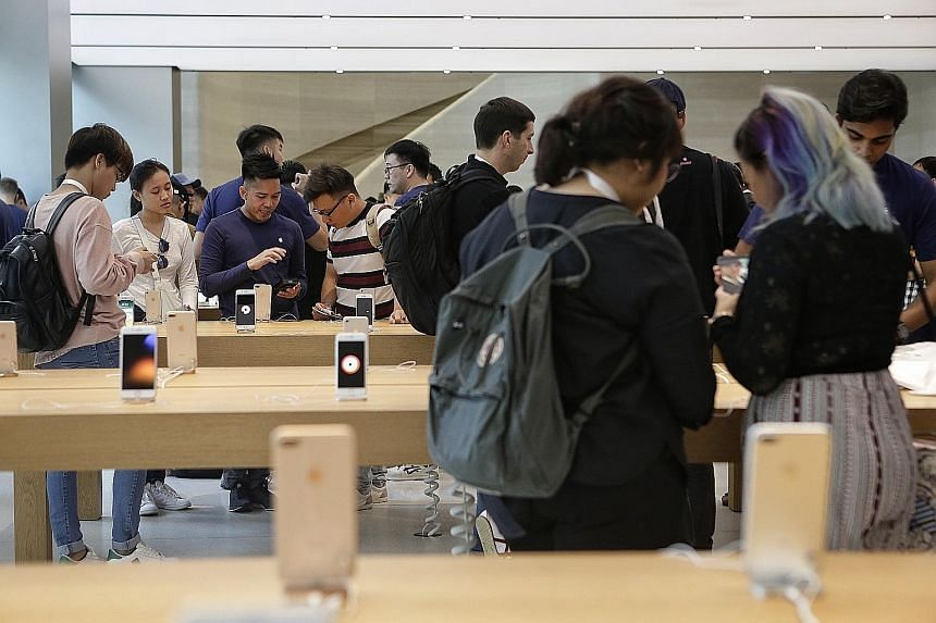The Apple iPhone 8 was launched at the same time in Singapore, China, Japan, Taiwan and Hong Kong last month. This will also be the case for the iPhone X's launch. Analysts believe the key reason behind falling smartphone shipments to Singapore is th