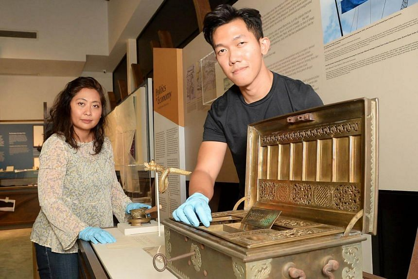 Sirri na Pesse: Navigating Bugis Identities In Singapore showcases more than 40 artefacts, which paint a picture of the complexity of Bugis history and culture.
