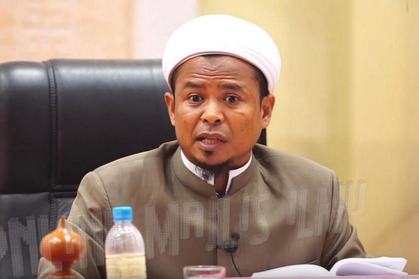 In a video uploaded on Youtube, Muslim preacher Zamihan Mat Zin gave a religious lecture in which he criticised a sultan for barring a Muslim-only launderette in the state.