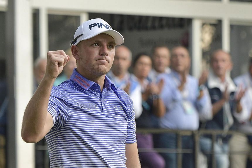Wallace (above) hit five birdies and a bogey on Saturday.