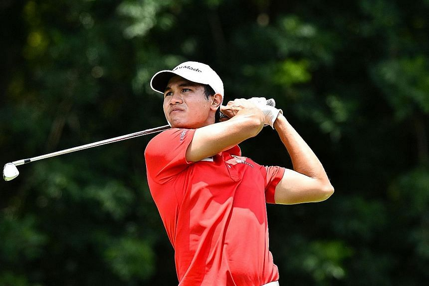 Gregory Foo, the Republic's top amateur golfer, winning the Singapore Open Amateur Championship in July. He is eyeing a top-five result at the Royal Wellington Golf Club.