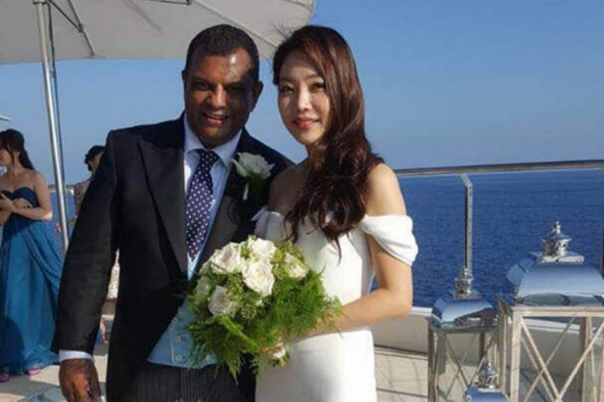AirAsia CEO Tony Fernandes and his bride Chloe.