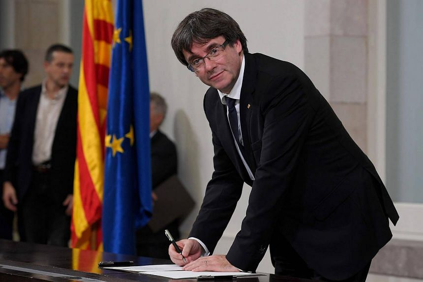 Spain's Prime Minister Mariano Rajoy gave Catalan leader Carles Puigdemont a Monday deadline (4.00pm Oct 16, Singapore time) to clarify his position.