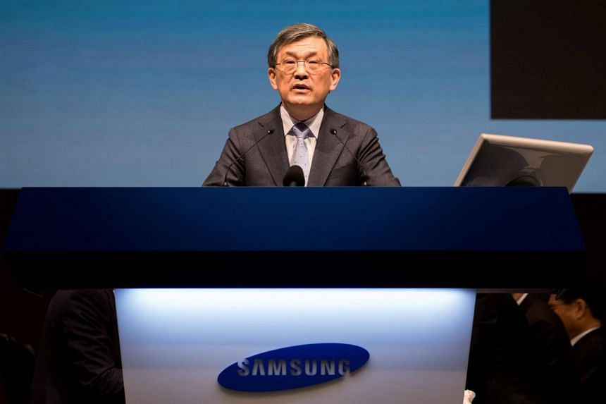 In a letter to Samsung employees, Mr Kwon Oh Hyun said that he felt the timing is right for him to leave now, considering the nature of the fast-evolving IT industry.