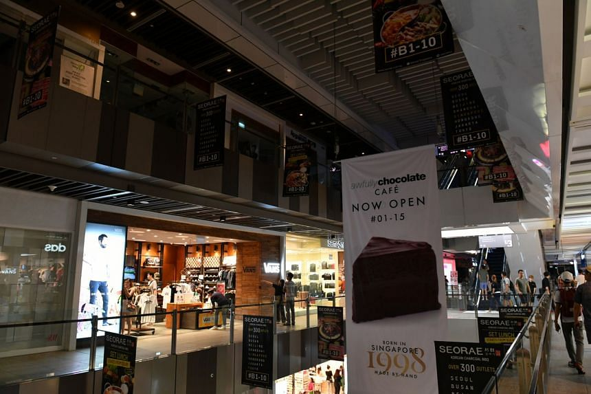 Shops on several levels of the Jem shopping mall were hit  by a power outage on Sunday (Oct 15) evening.