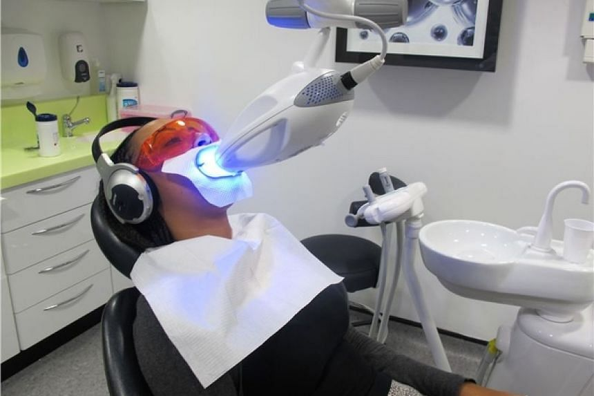 Whiten your teeth in the comfort of Raffles Dental's clinics located island wide.