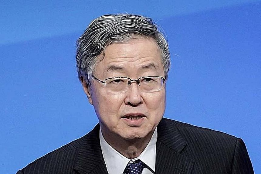 The growth forecast by Mr Zhou Xiaochuan goes against widespread expectations of a slowdown.
