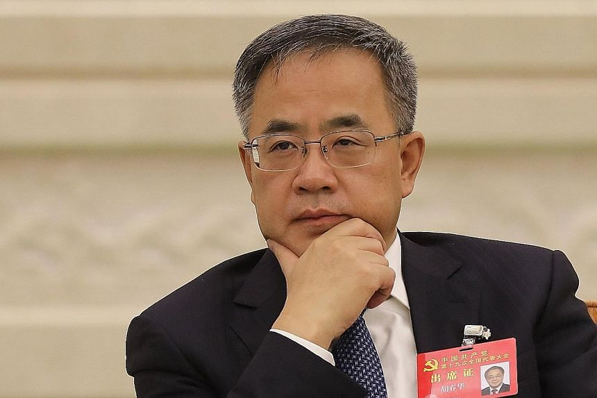 Guangdong party boss Hu Chunhua (above) let his vice-secretary Ma Xingrui do most of the talking, fielding only one question on grassroots reform. Chongqing party chief Chen Min'er gave a 12-minute speech that included a full-throated endorsement of
