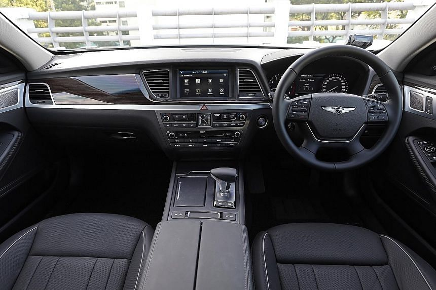 At the helm, the G80 (left and above) steers sharply and quickly with minimal input and you do not detect unwanted movement in the cabin.