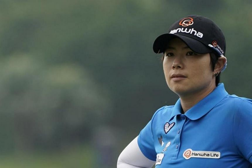 Ji Eun Hee is going into the final round with a three-day total of 206, after shooting a 3-under par 69 despite windy weather at the Miramar Golf Country Club in New Taipei city.