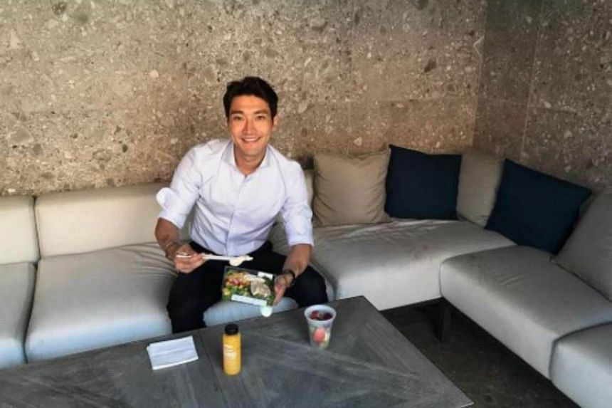 Netizens are demanding that K-pop star Choi Siwon drop out of his new show Revolutionary Love, following the death of a businesswoman who died after being attacked by Choi's pet dog.