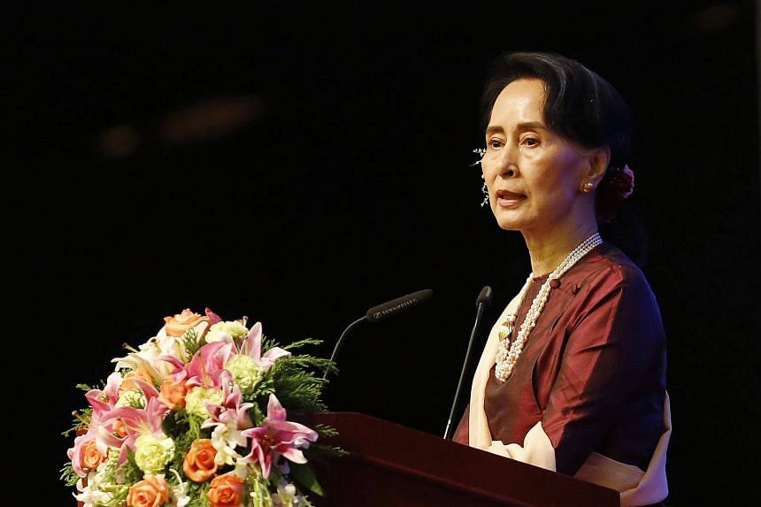 Students at St Hugh's College have voted to remove Aung San Suu Kyi's name from the title of their junior common room.