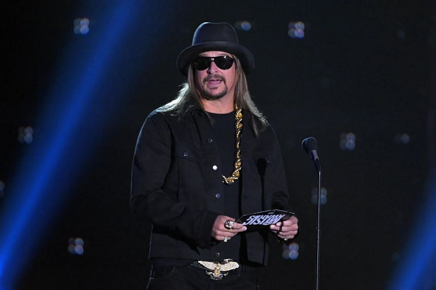 Kid Rock presents the Video of the Year honour at the 2017 CMT Music Awards.