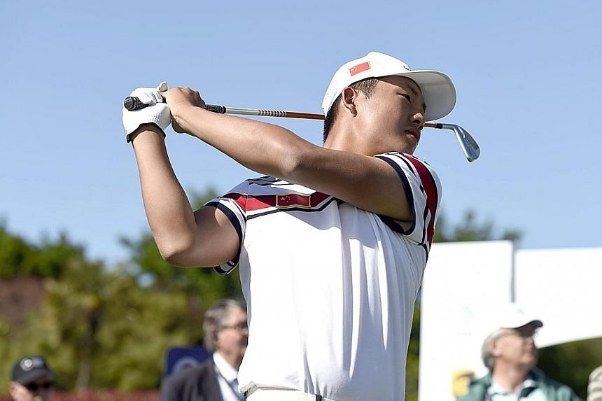 China's Lin Yuxin, 17, recovered from a triple bogey to lead after the third round at the Royal Wellington Golf Club. He is on eight-under 205.