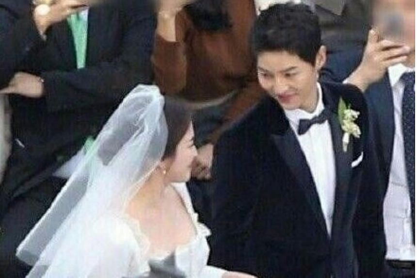 South Korean actor Song Joong Ki and actress Song Hye Kyo wed in a private outdoor ceremony in Yeong Bin Gwan, a Korean-style banquet annexe to The Shilla hotel in Seoul on Oct 31, 2017.