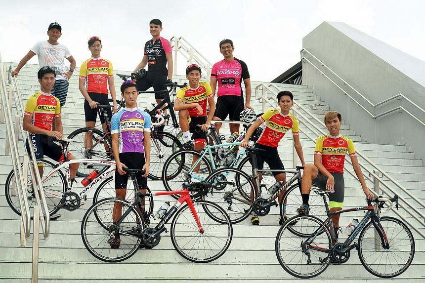 Left: Members of the 30Forty Cycling Team and the Geylang Cycling Team at the Sports Hub. Teams participating in the OCBC Cycle Speedway Club Championship on Nov 18 will field four riders to race in pairs over 10 laps, with each pair doing five laps,