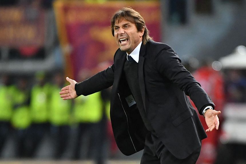 Antonio Conte reacts during the match between AS Roma and Chelsea on Oct 31, 2017.