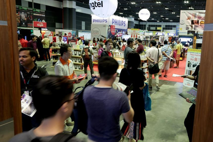 Crowd going into the hall of the Consumer Electronics Fair 2017 during lunch hours of Friday, Nov 3, 2017.