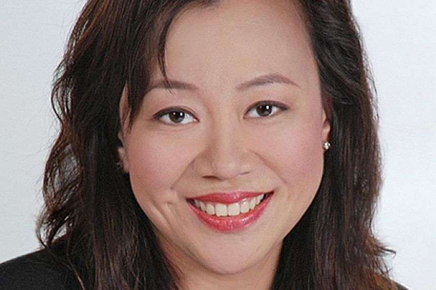 Mr Thomas Tan of OCBC Bank says the inability to utilise SRS funds may outweigh its tax-saving benefits. KPMG Singapore's Mr BJ Ooi recommends tax exemption on SRS withdrawals of up to $400,000 at drawdown age. Ms Kerrie Chang from Ernst & Young beli