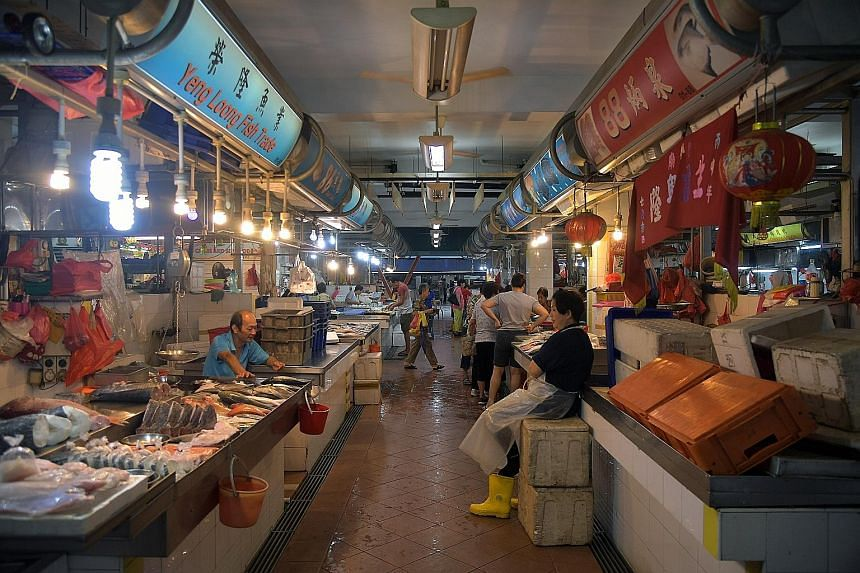 The wet market at 127, Toa Payoh Lorong 1. Data showed that the number of NEA-licensed hawkers selling market produce fell 12.4 per cent to 5,485 last year, from 6,264 in 2006.