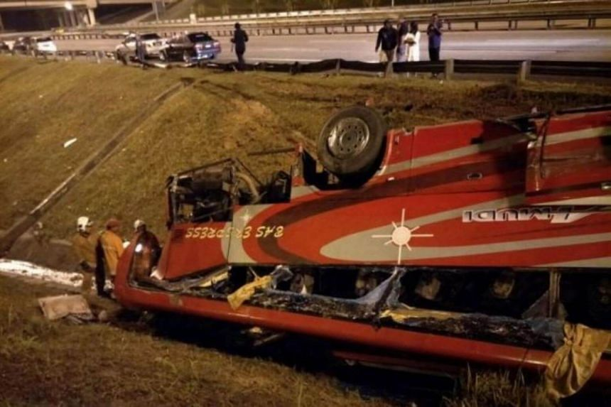 Twenty-seven passengers were injured after an express bus crashed into a road divider and overturned at KM434.9 of the North-South Expressway.