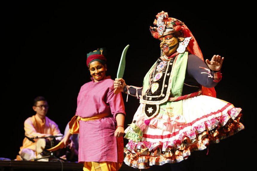 "The Many Splendoured Folk Art of Tamil Storytellers segment includes street theatre, drama and ""villupaattu"" traditional folk music held at Victoria Theatre."