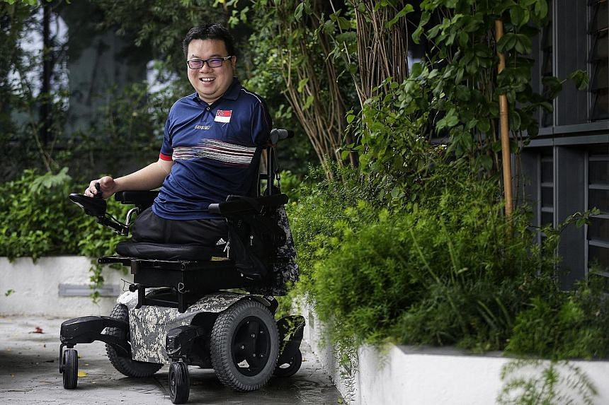 Navy serviceman Jason Chee says he hopes to inspire others.