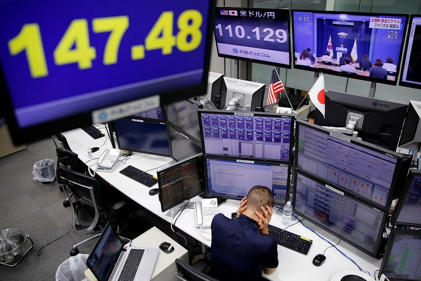 The foreign-exchange market is losing its human touch as it embraces electronic and algorithmic trading.